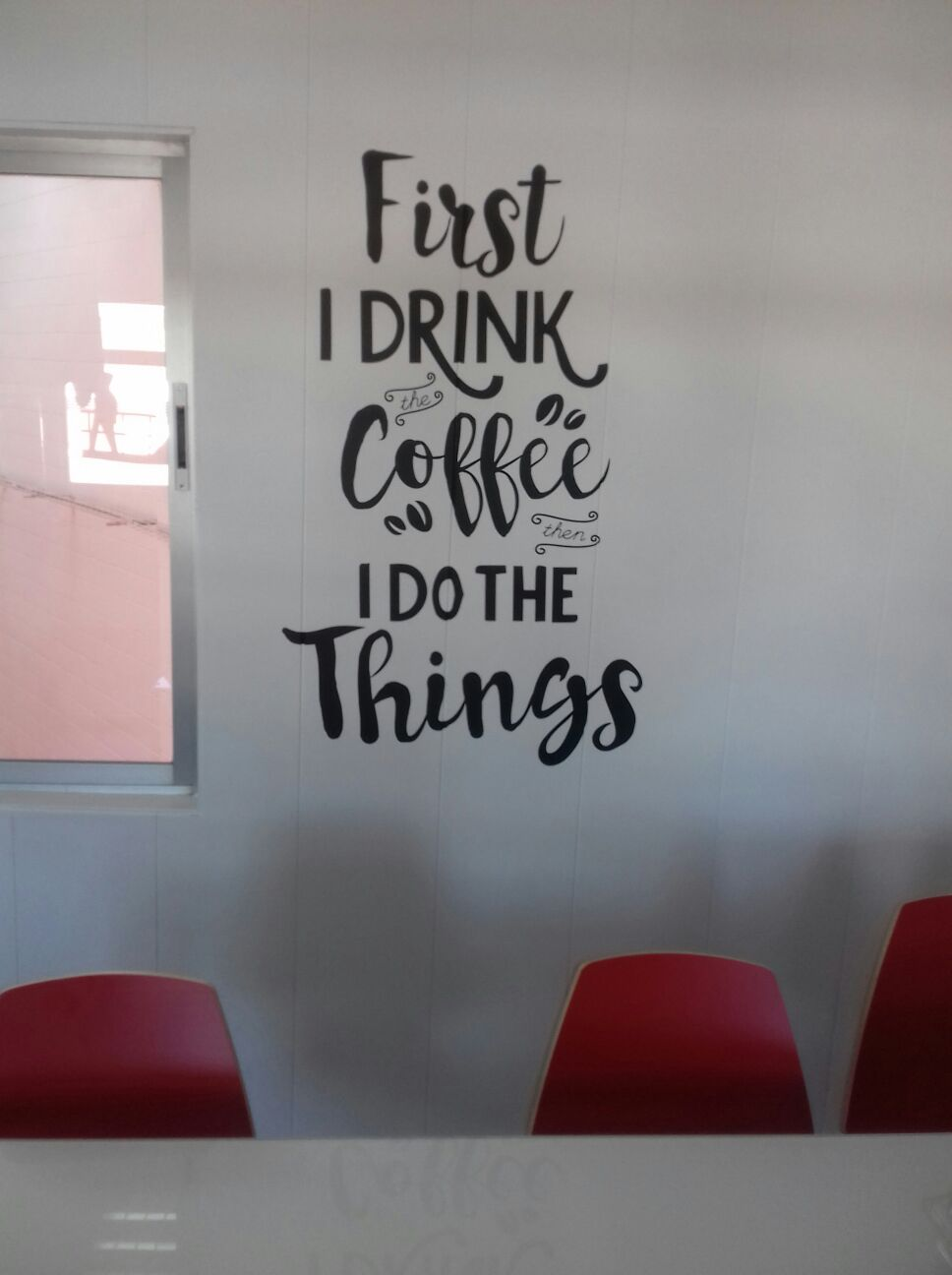 Vinil De Tall First I Drink Coffe